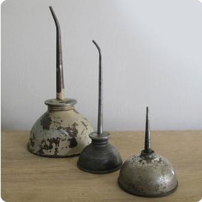 vintage-oil-can