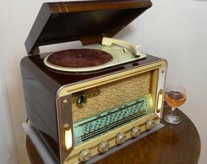 victrola-record-player-cabinet-fresh-deco-record-player-of-victrola-record-player-cabinet-1