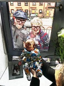 grandparents-first-sight-during-social-distancing-2